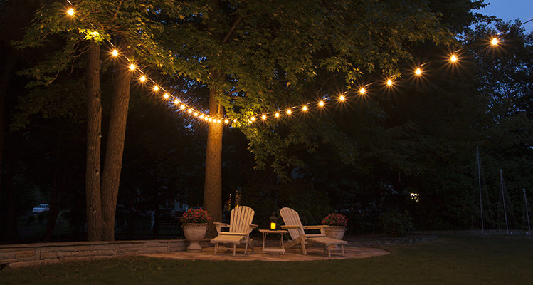 hanging patio string lights is easy - first, pick a pattern! qxiwipi