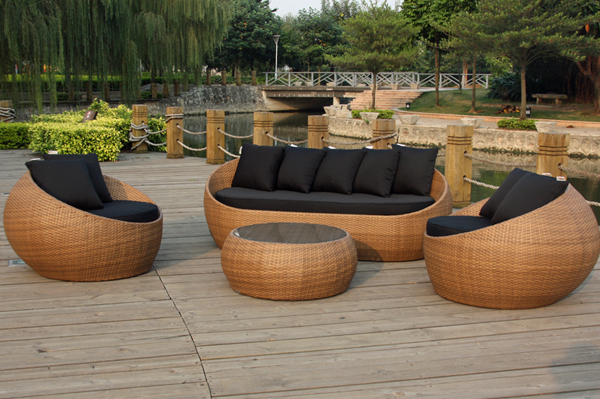 How to shop for outdoor furniture in perth?