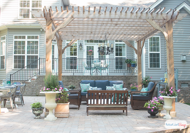 How to maximize space with simple patio decorating ideas?