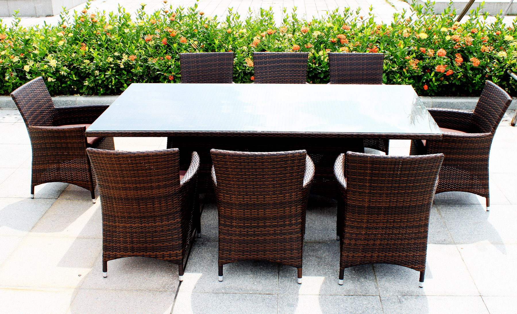 Attractive choosing the best outdoor dining table for your patio iykebbr