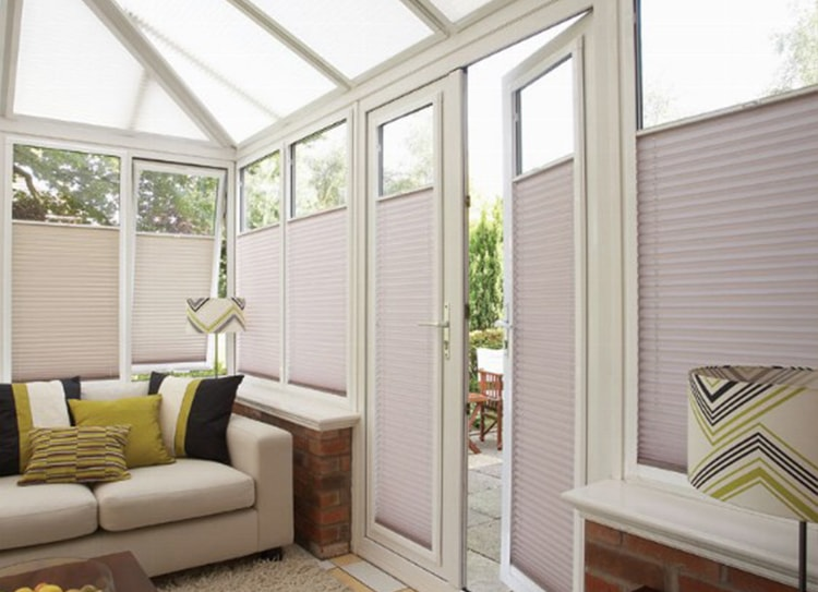Awesome get fine quality conservatory blinds with latest designs unhtiut
