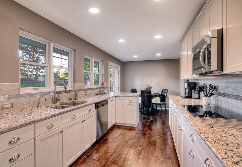 Enhance your kitchen appearance with the different kitchen colors