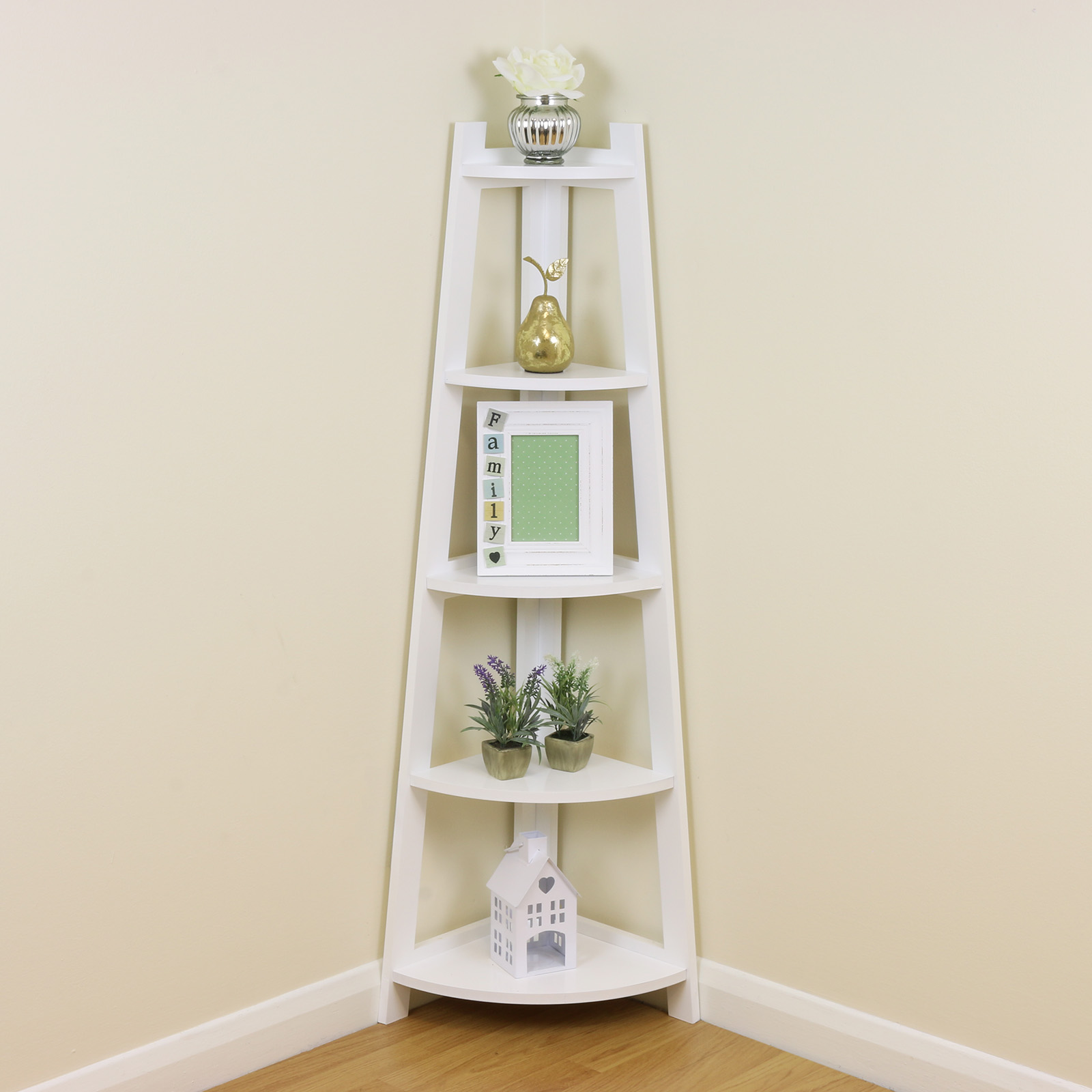 How to utilize space efficently with a corner shelf unit