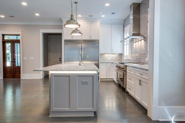 How to decorate a kitchen with kitchen island lighting