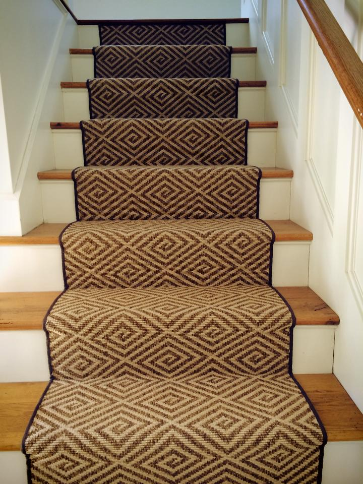 Chic carpet for stairs 10606506_10152378251476025_5759891524805912120_n oebdfjo