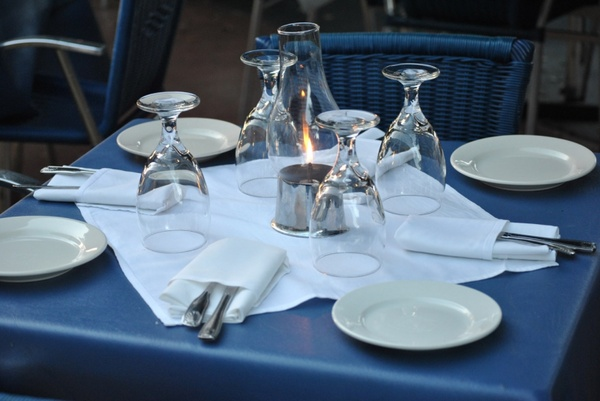 Chic dinner table table setting qtthcgd