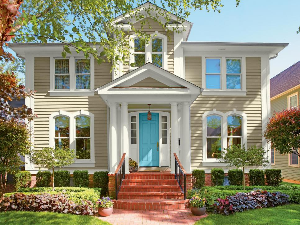 Choosing some exterior house colors to curb appeal