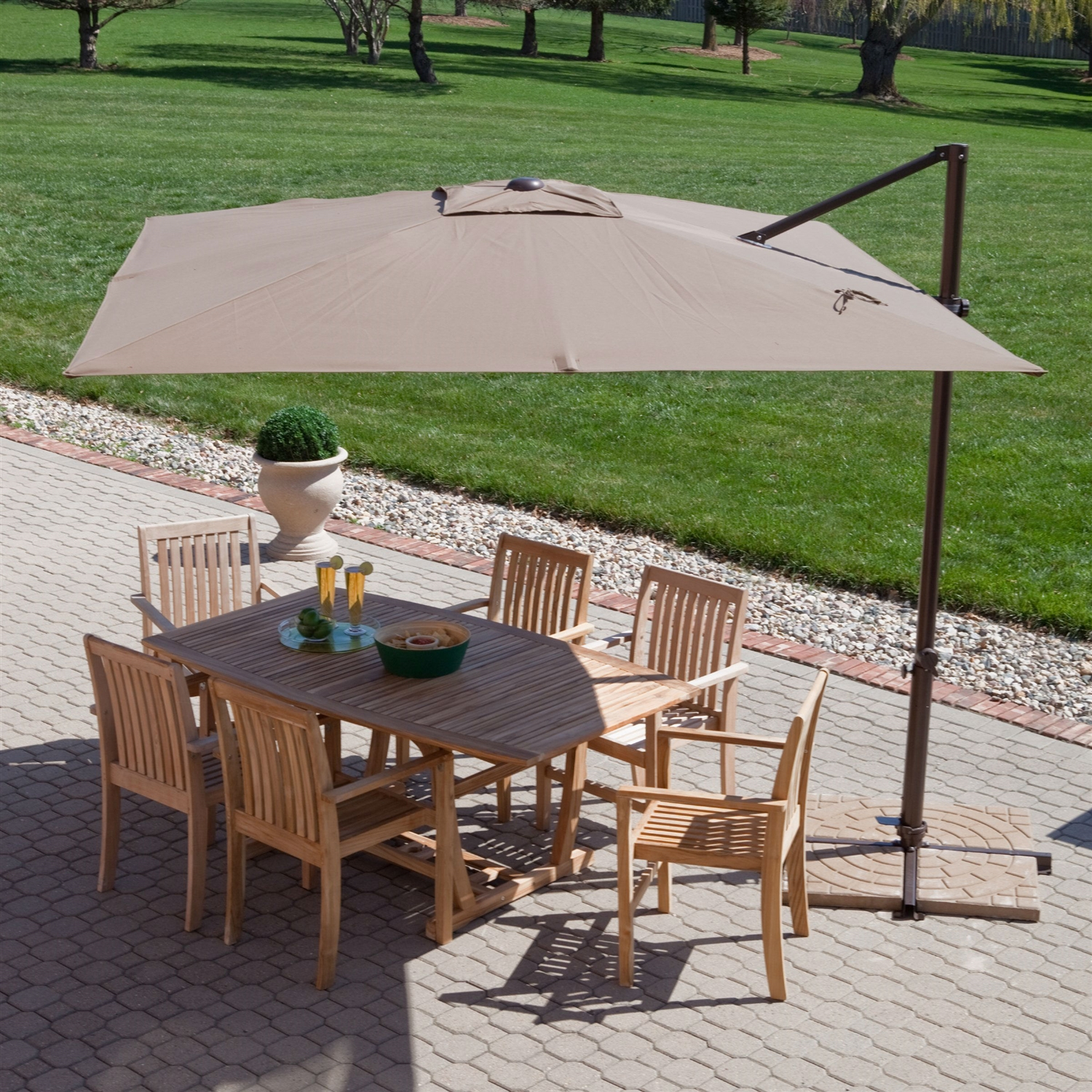 A guide to buying offset patio umbrella