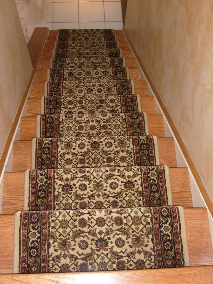 Compact designer oriental floral carpet runner for stairs on wooden foot stairs as zgxdgpb