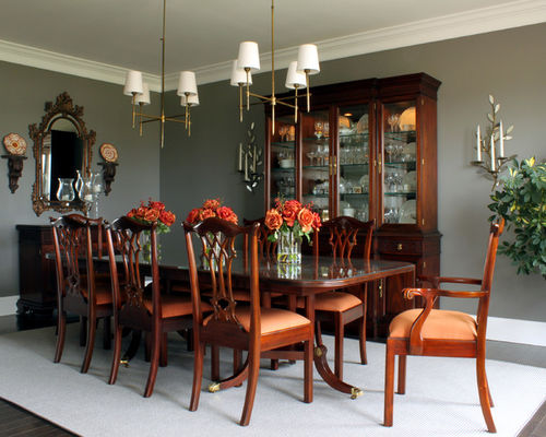 Compact mahogany furniture traditional dining room idea in chicago with gray walls and dark hardwood yaqksit