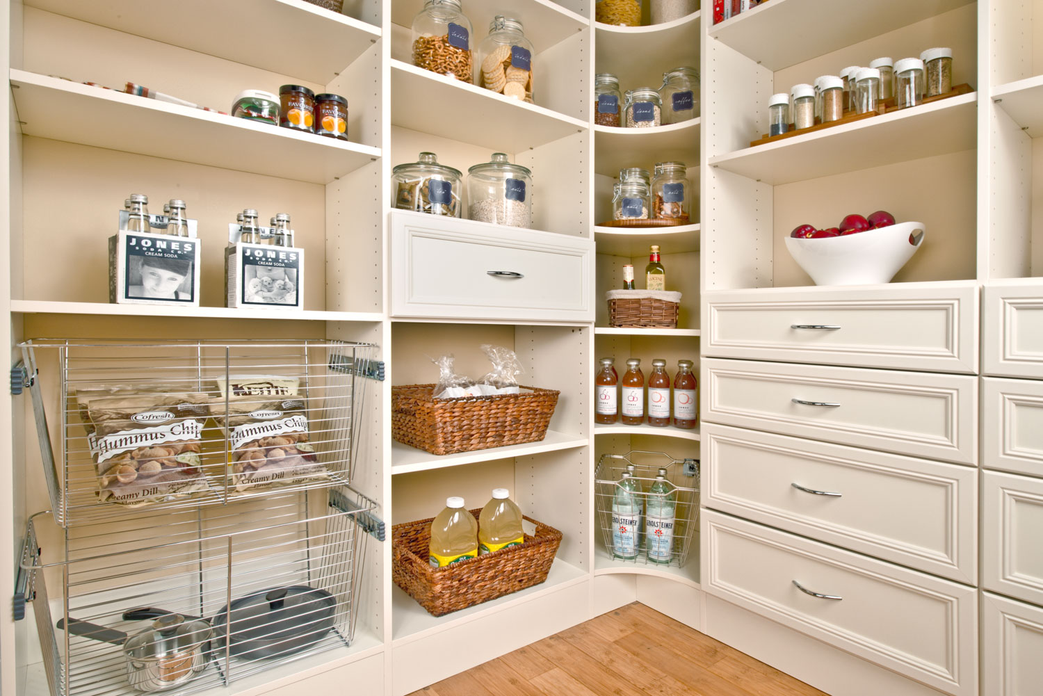 Pantry shelving – choose the right one