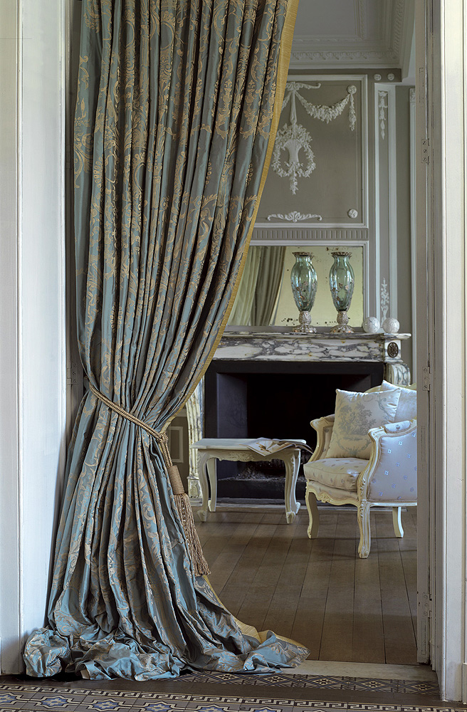 Cool luxury-curtains-6 luxury curtains - a way to make your house look luxurious udruvzo