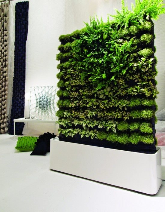 Elegant space efficient and modern vertical garden design. clwpdbn