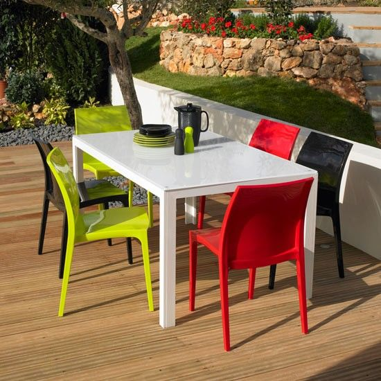 Why plastic garden furniture is the best outdoor furnishing option