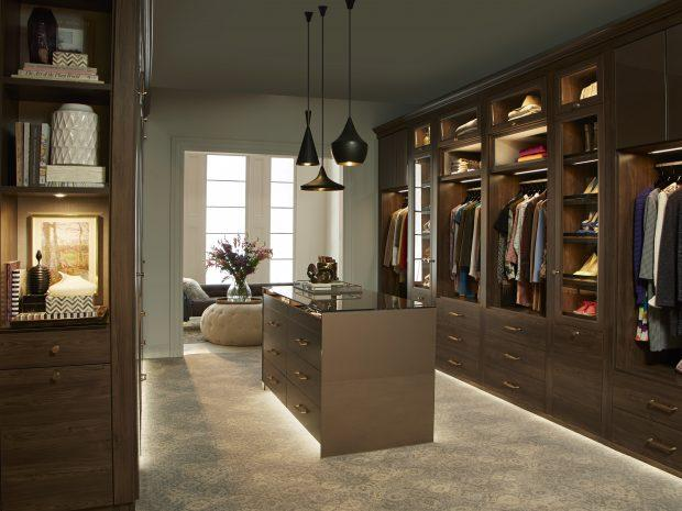 Images of walk in closets sophisticated coupleu0027s walk-in rarzgtx