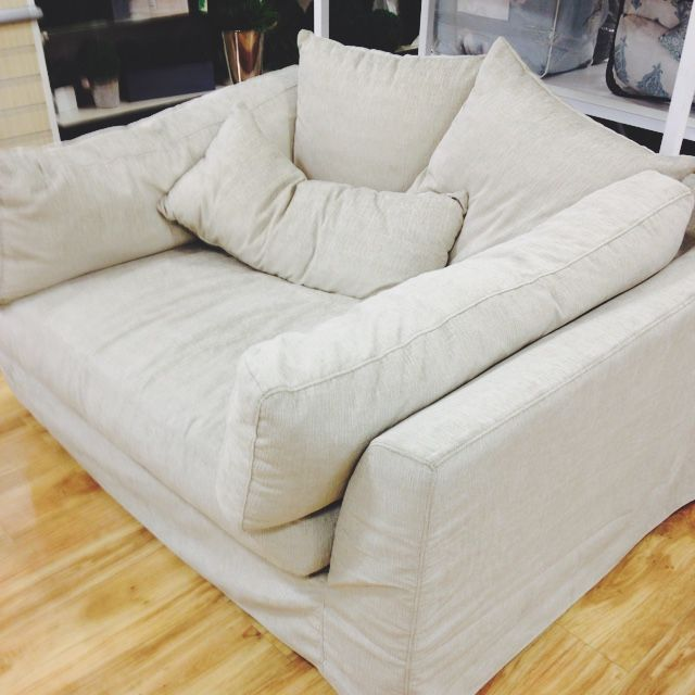 Impressive oversized chairs couch homegoods oversized chair u2026 gyqkixl