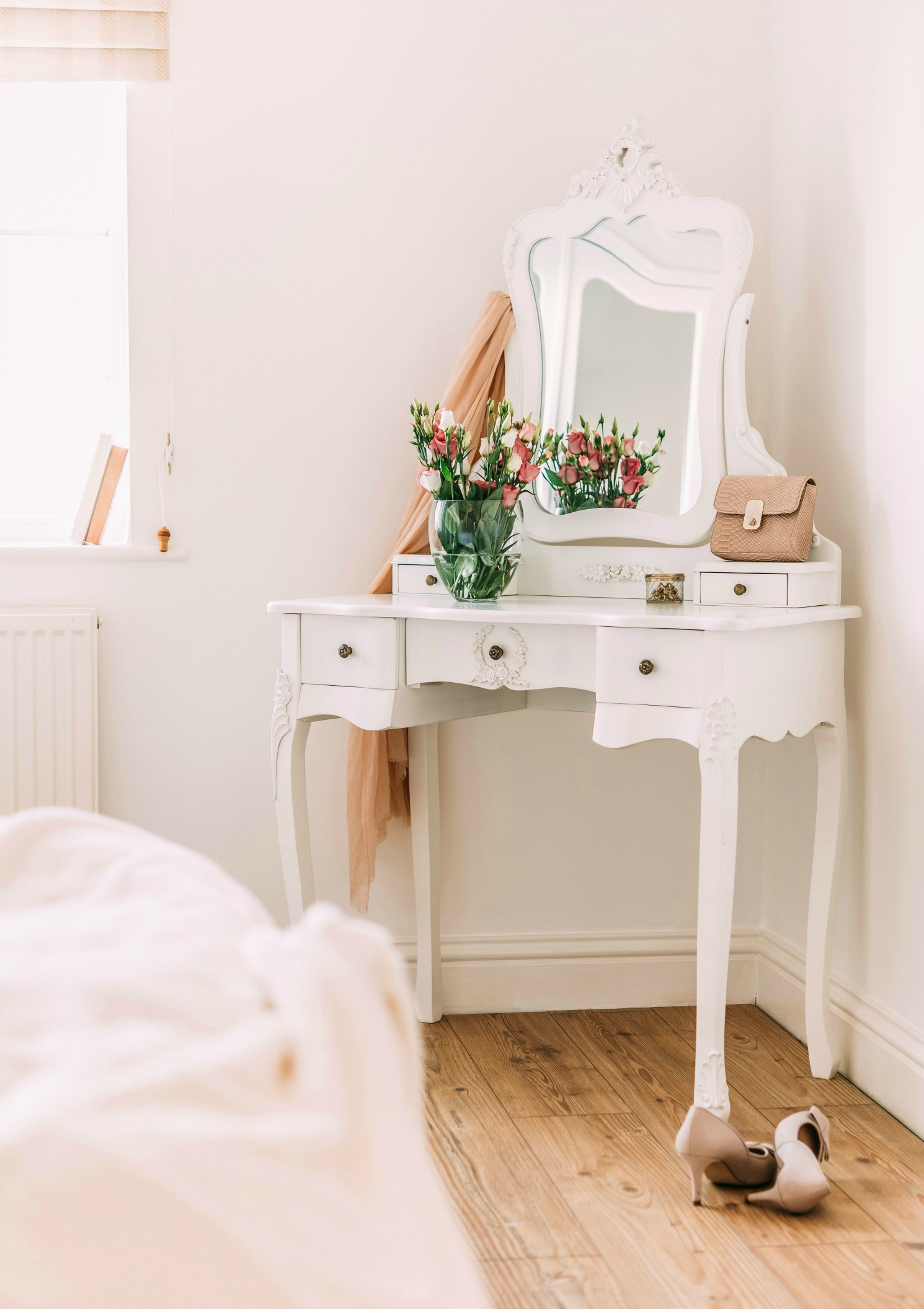 Modern white furniture french style white dressing table and stool la maison chic furniture  company byzfnru
