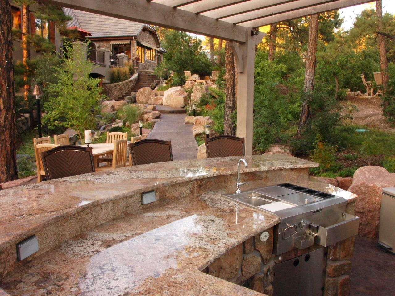 A perfect outdoor kitchen ideas