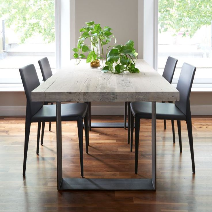 How to select wooden dining tables