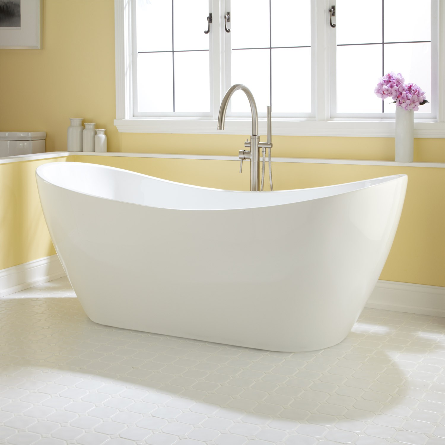 Stunning bathtubs both comfortable and attractive, this acrylic bathtub features sloping  backrests on each hfqgvie
