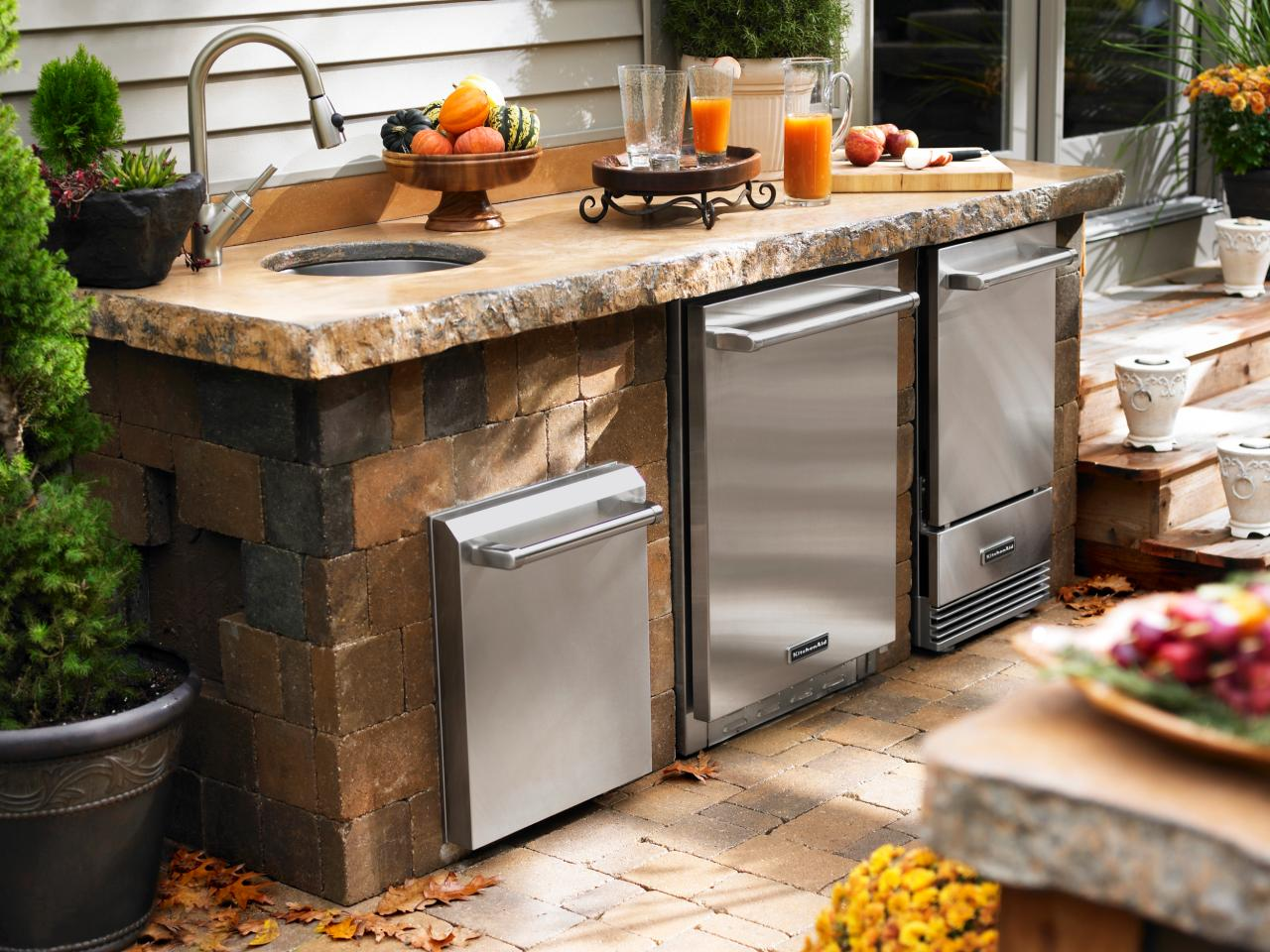 Why should you make use of outdoor kitchen kits?