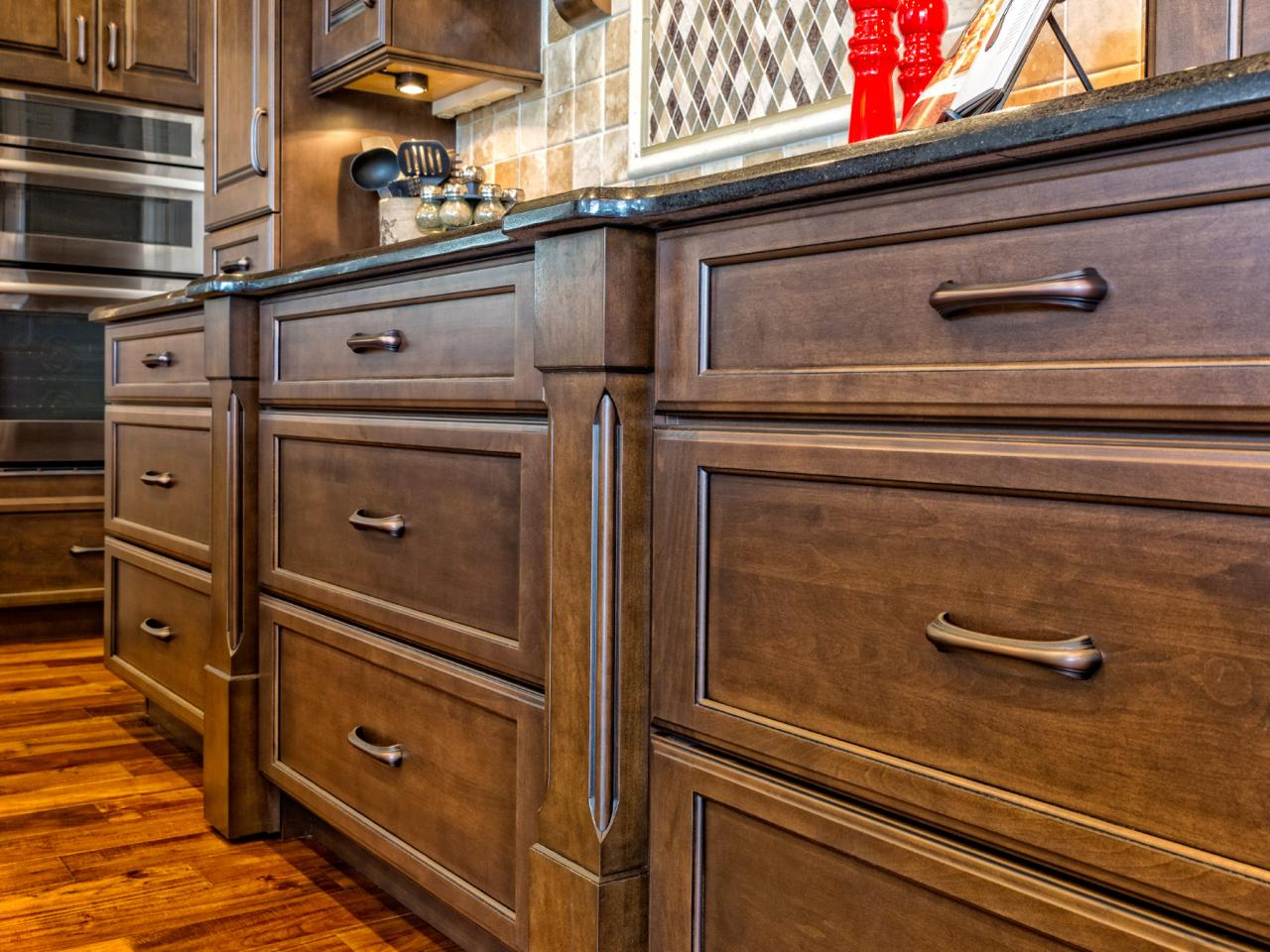 Types of wood cabinets to choose from