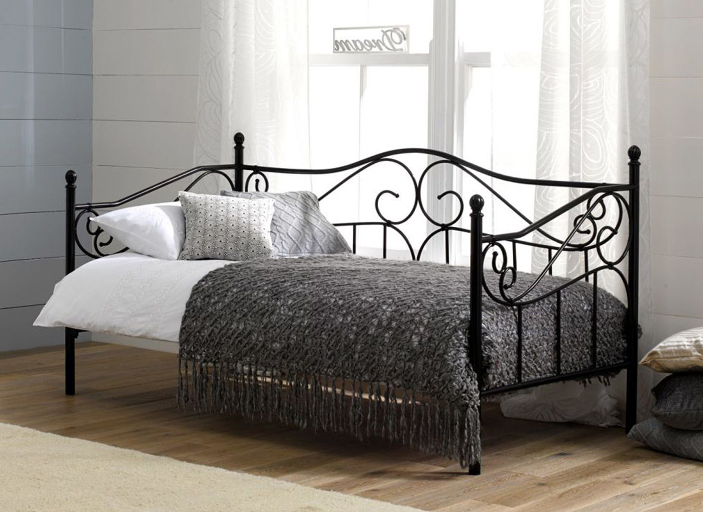 Trendy day beds good looking black metal daybed amy day ps bed image.jpg bedroom full pwoxyuz