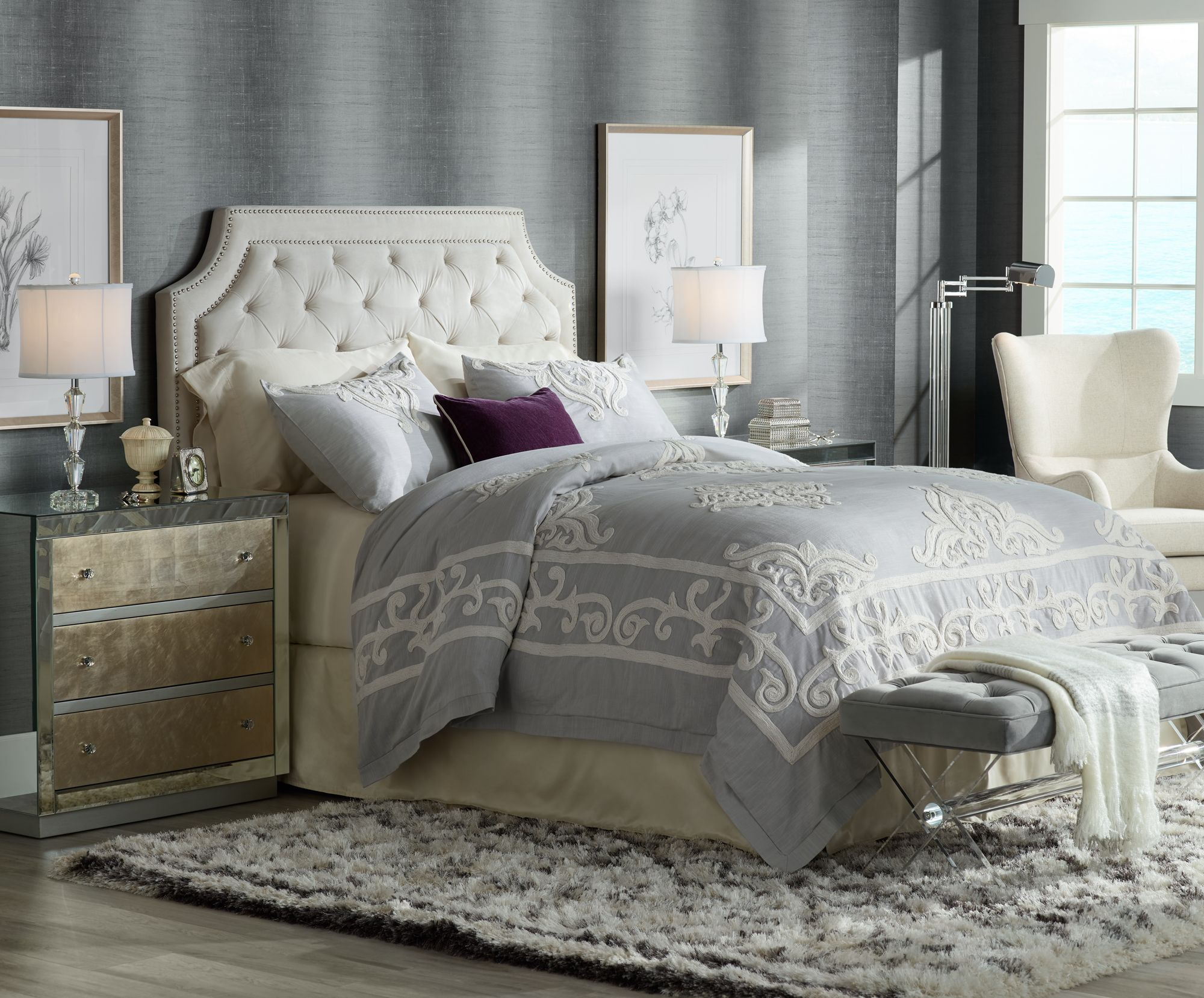 crystal table lamps for bedroom made for sleeping in, this bedroom has crystal table lamps on mirrored arflgpx