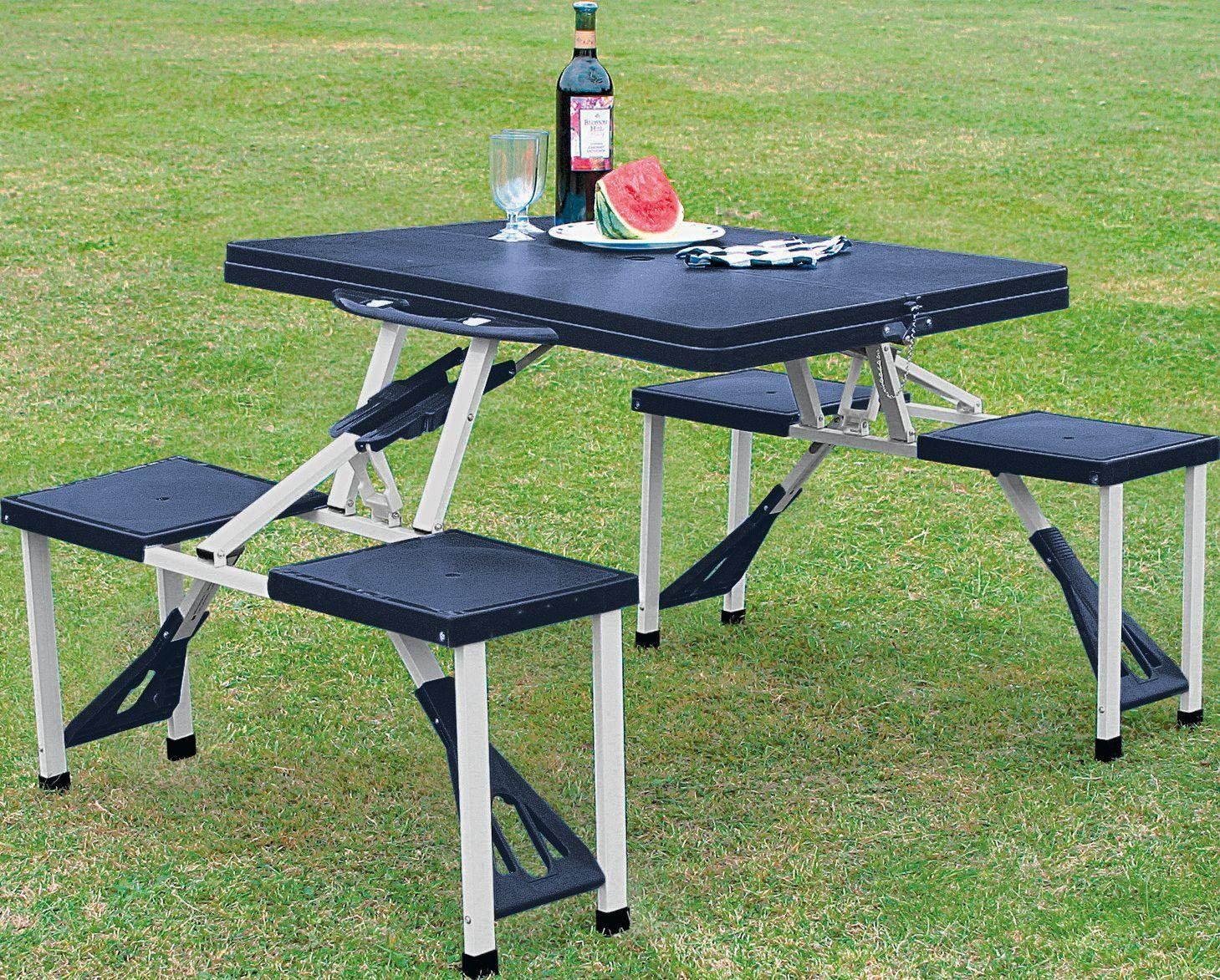 Things to consider when getting folding camping table and chairs