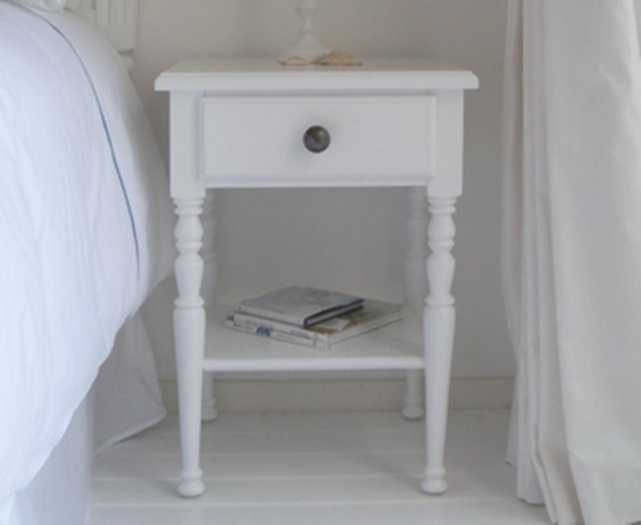 image of: small white bedside table nfrgsos