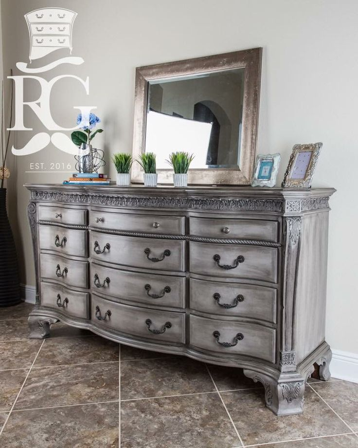 Awesome painted bedroom furniture dresser painted in annie sloan chalk paint, french linen. then a coat of ahasxaf