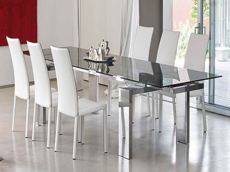 Contemporary glass dining table and chairs glass dining tables glass dining room table in  48b81e096f8e5f6f0acff7bf45b554b0 glass auhmbfu
