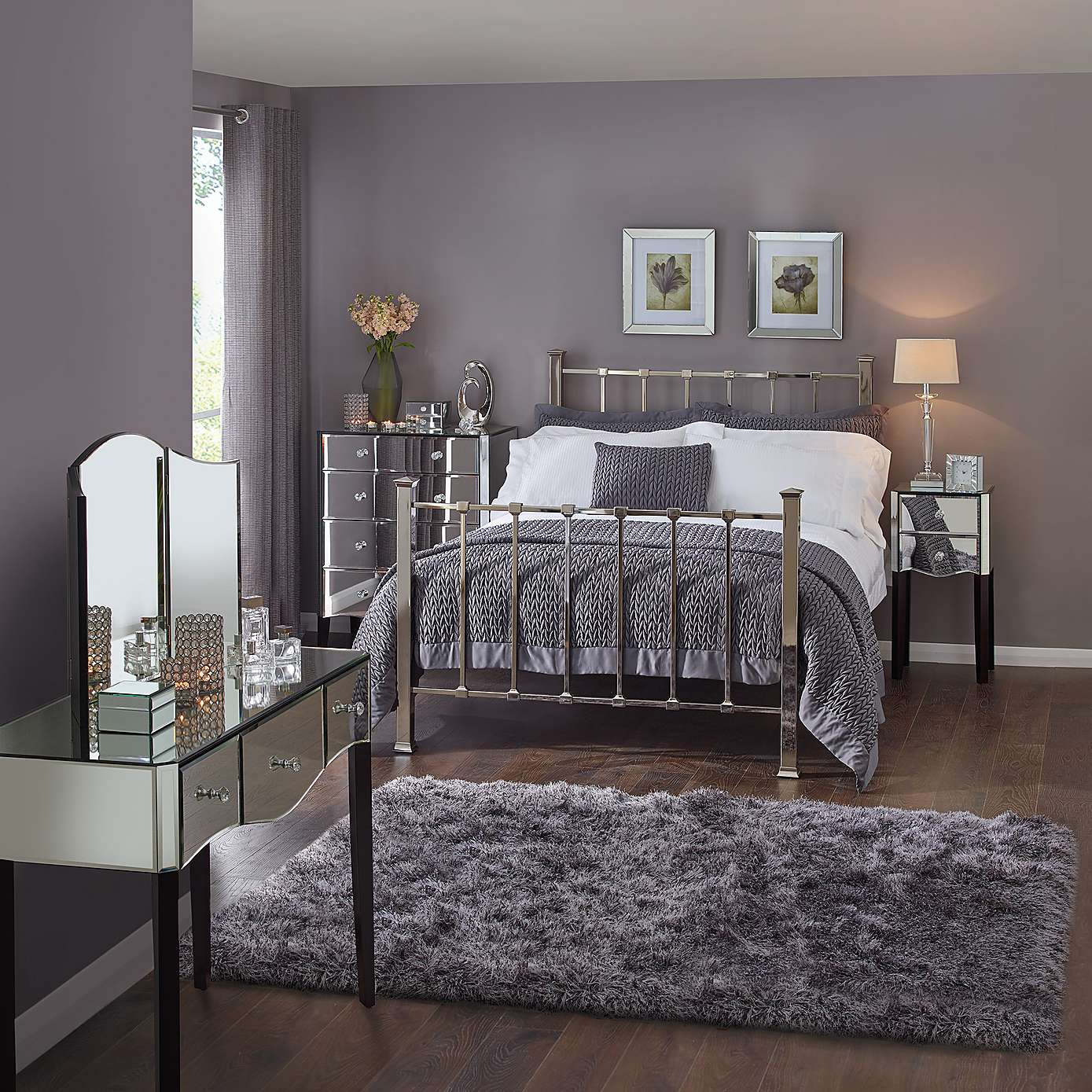 The hows and whats of mirrored bedroom furniture