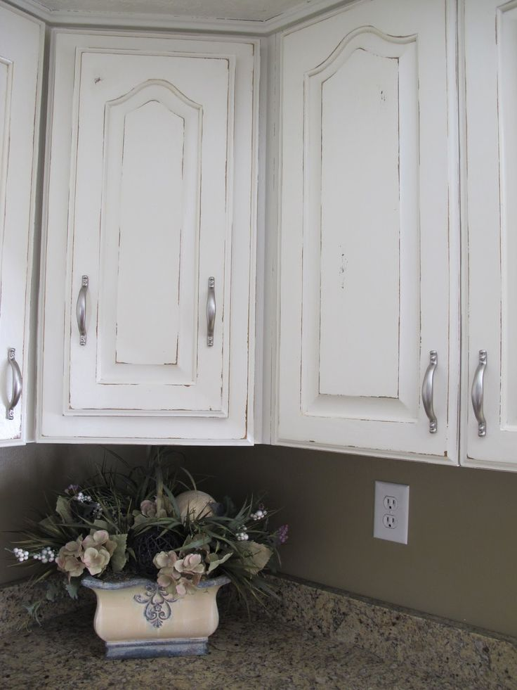 Cozy distressed kitchen cabinets this is what my kitchen cupboards are going to look like very soon! dkotqyj