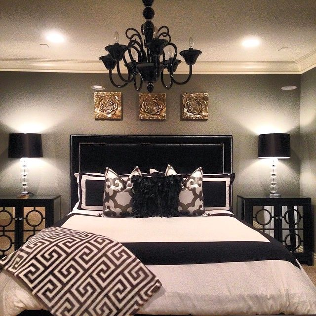 Uses & advantages of black and white headboard