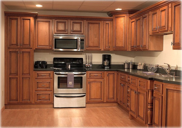 Pick solid wood kitchen cabinets for the ultimate makeover