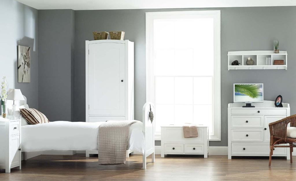 Images of image of: distressed white wood bedroom furniture llnviqc