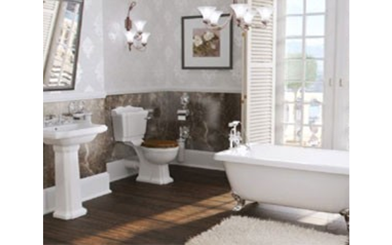 Pictures of traditional bathroom suites cambridge freestanding traditional bathroom suite uqmuiex